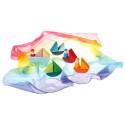 3 figurines et bateau, jeu d'eveil en bois Grimm's