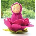 kit poupée fleur rose, en feutrine pour table de saison steiner waldorf, de witte engel
