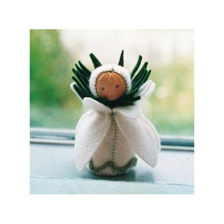 kit poupée perce-neige,, en feutrine pour table de saison steiner waldorf, de witte engel