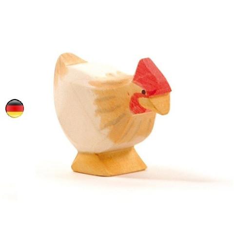 Figurine poule ocre en bois Ostheimer