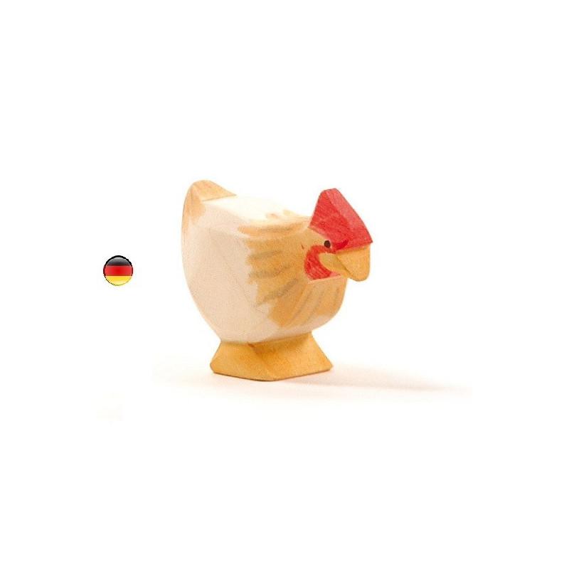 Poule ocre, figurine jouet en bois, jeu steiner waldorf de ostheimer