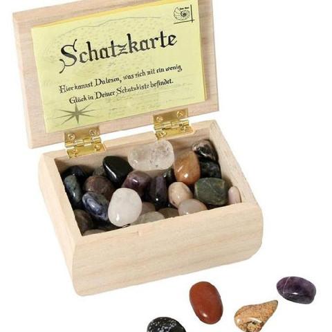 Coffre à tresor de pierres semi precieuses, pour pirates, jeux ou table de saison steiner waldorf, bartl