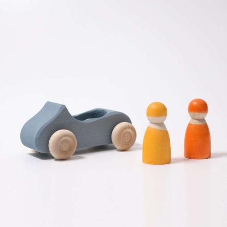 Voiture bleue et 2 passagers, jouet en bois steiner waldorf ethique Grimm's