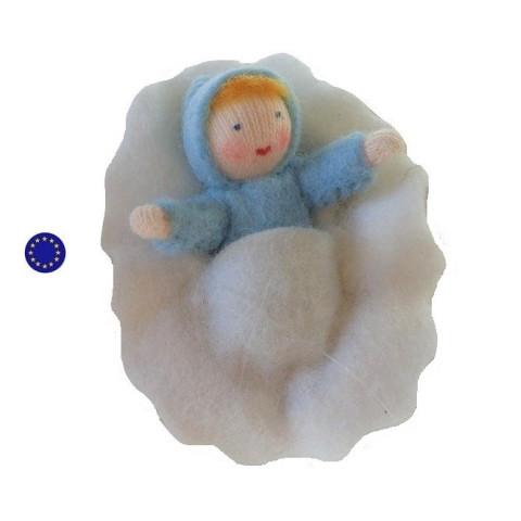Bébé dans sa coquille de noix