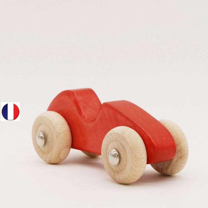 voiture de course rouge en bois, jouet écologique et éthique France de atelier des petits bouts de bois