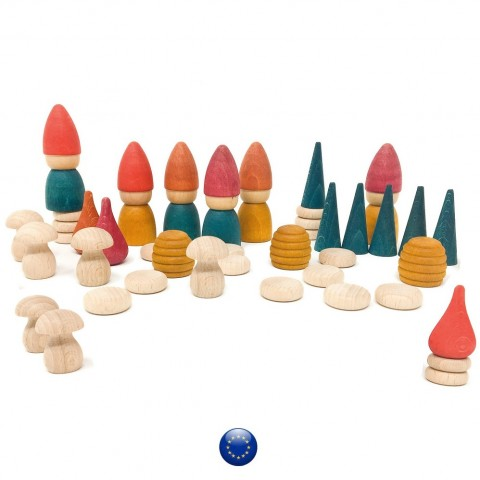 Nins Tomtens, 6 lutins figurines et decor de foret,  jouet en bois steiner waldorf Grapat