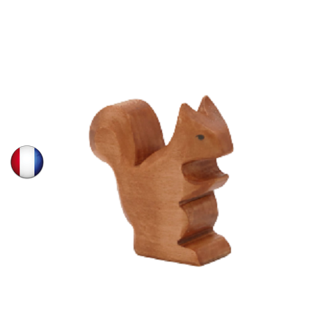 figurine ecureuil, jouet en bois walforf steiner inspiration ostheimer